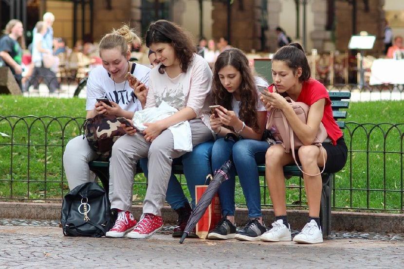 riesgos internet adolescentes