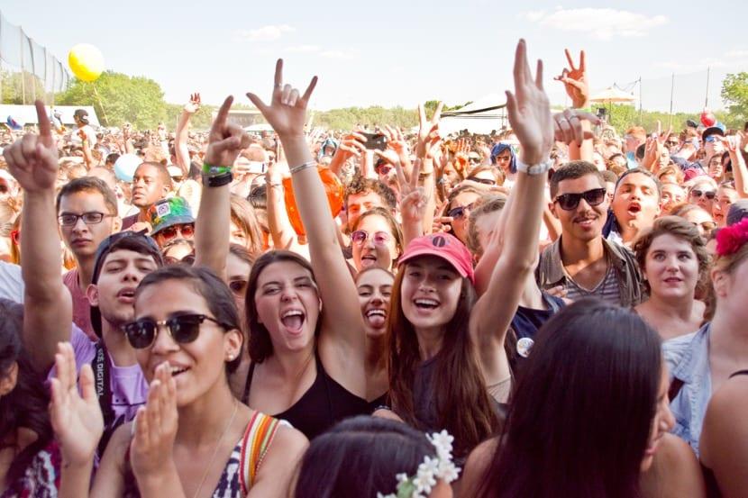 adolescentes en festivales y conciertos