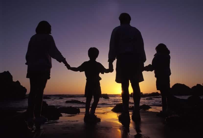 familia unida por buena crianza