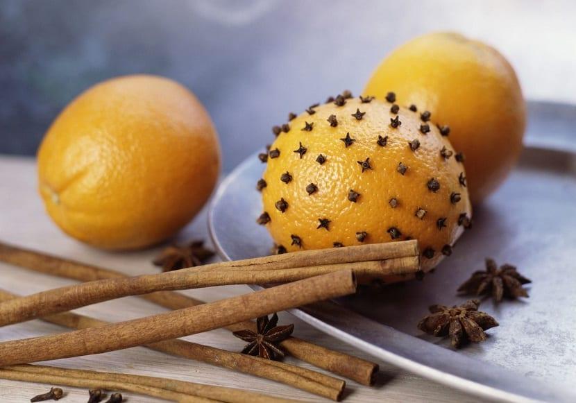 Ambientador casero con limón y clavo