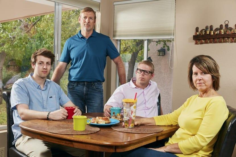 hijos adultos viviendo en casa de los padres