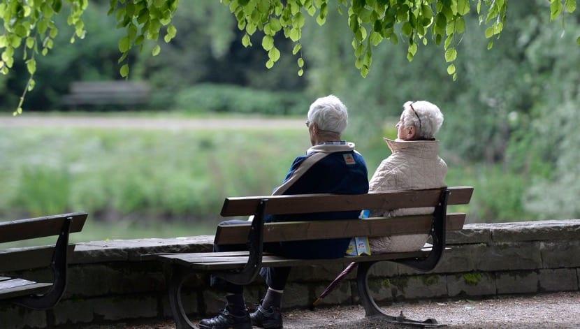 pareja de tercera edad que ya no se quieren