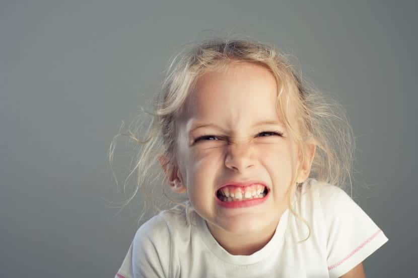 nena con bruxismo infantil