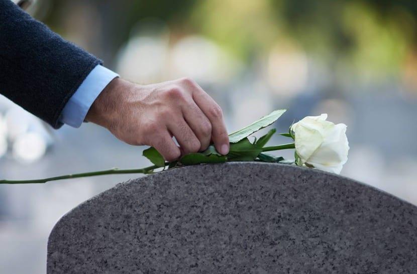 flor en el funeral