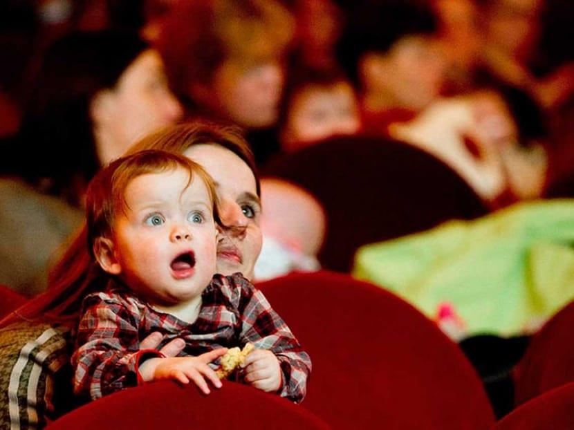 bebe en el cine