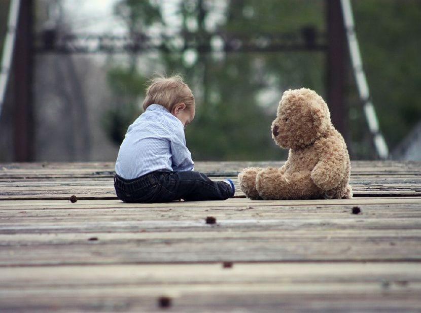 reconocer niño autista