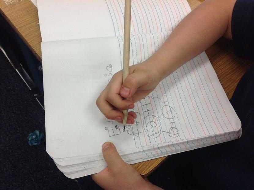Aprender a leer y escribir antes de los 6 años