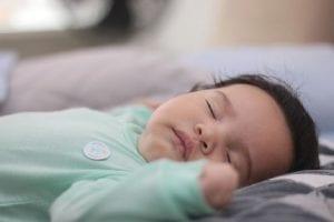 dormir bebe solo