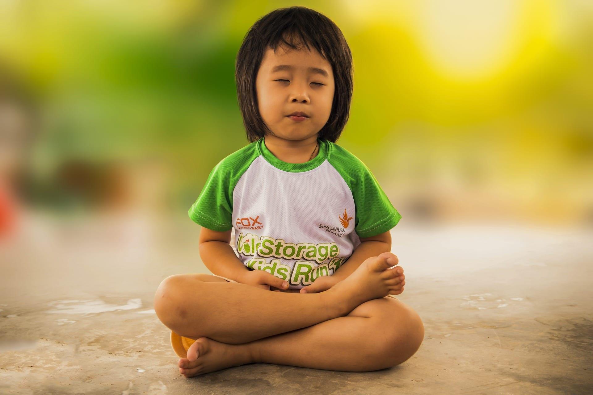Razones para que los niños practiquen yoga