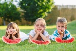 nenes aburridos en verano