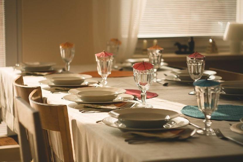 buenos modales mesa