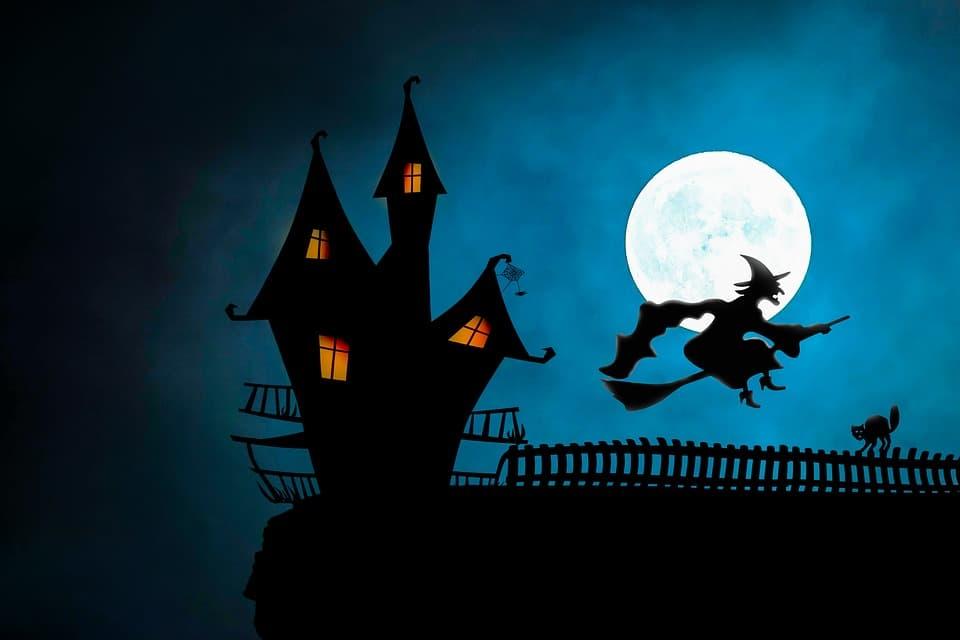 Las brujas y los monstruos son protagonistas en Halloween.