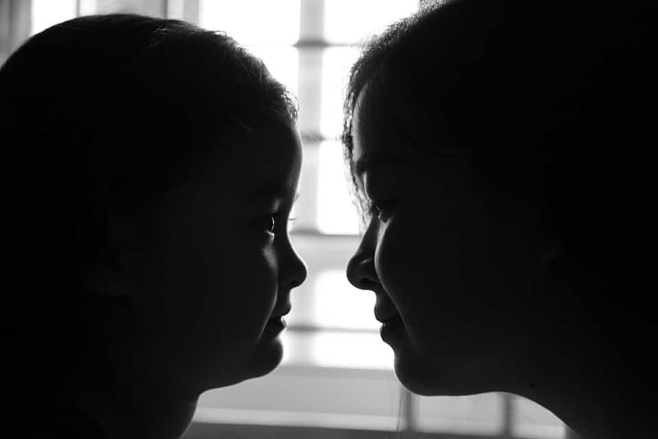 Madre e hija cara a cara afrontando con entereza la lucha ante el cáncer.