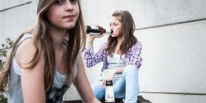 Detectar si tu hijo adolescente bebe alcohol