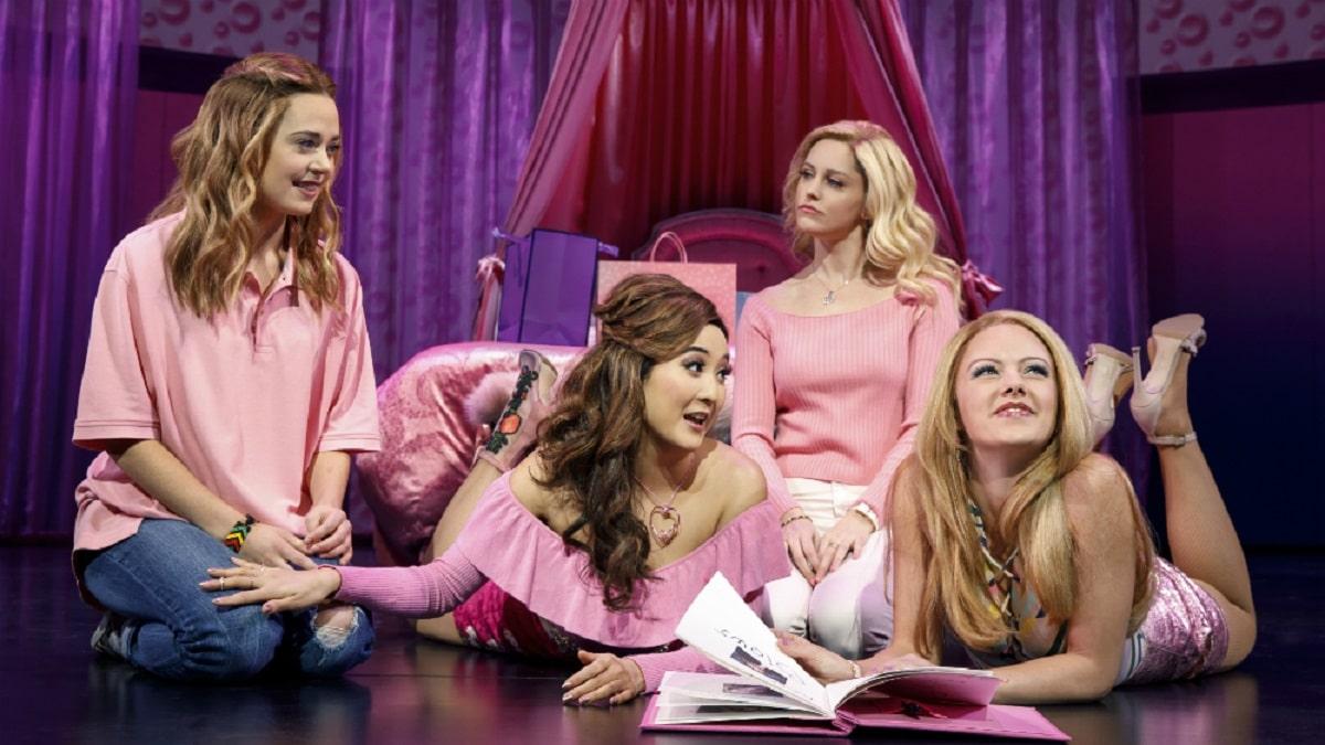 Chicas en un escenario