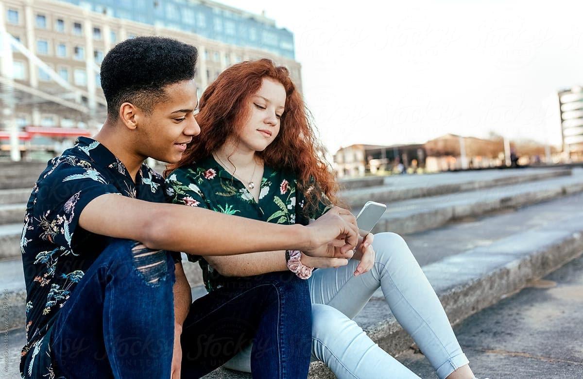 pareja de adolescentes