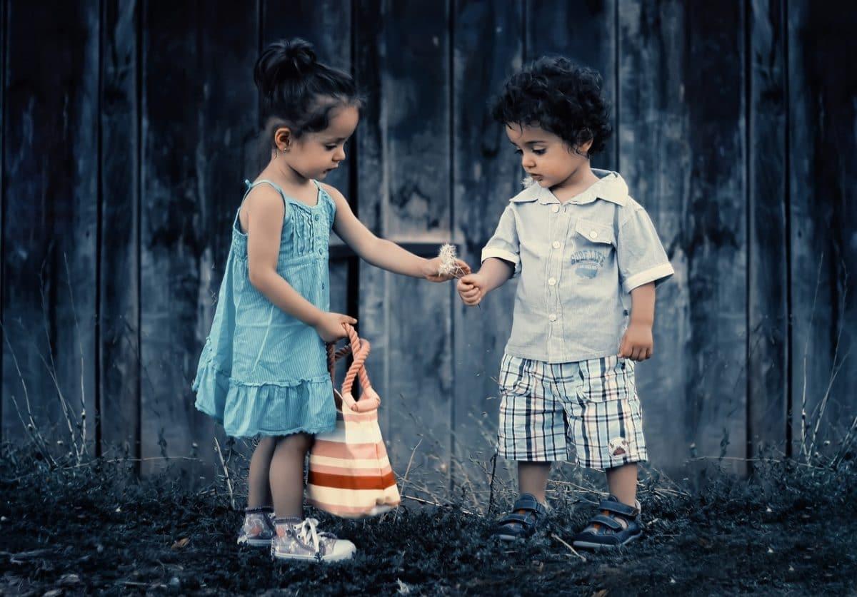 Cómo actuar ante el primer amor de un hijo