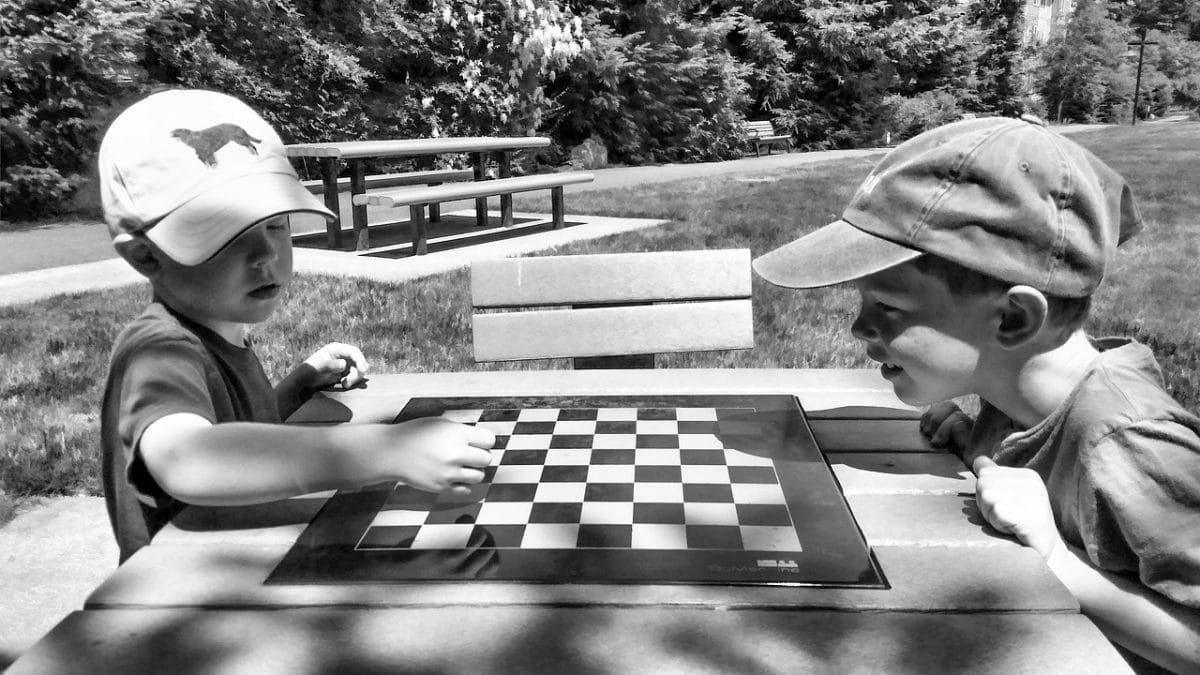 niños ajedrez