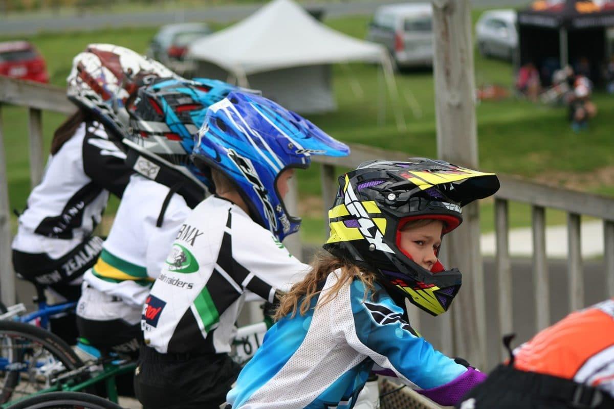 deporte moto niña
