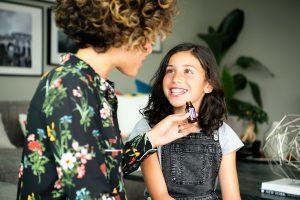 Cómo dar medicamentos a los hijos