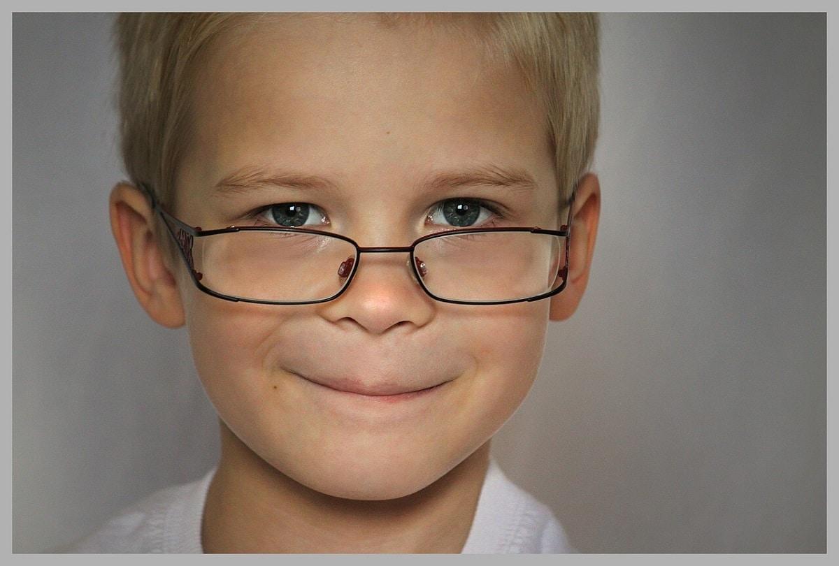 niños-gafas
