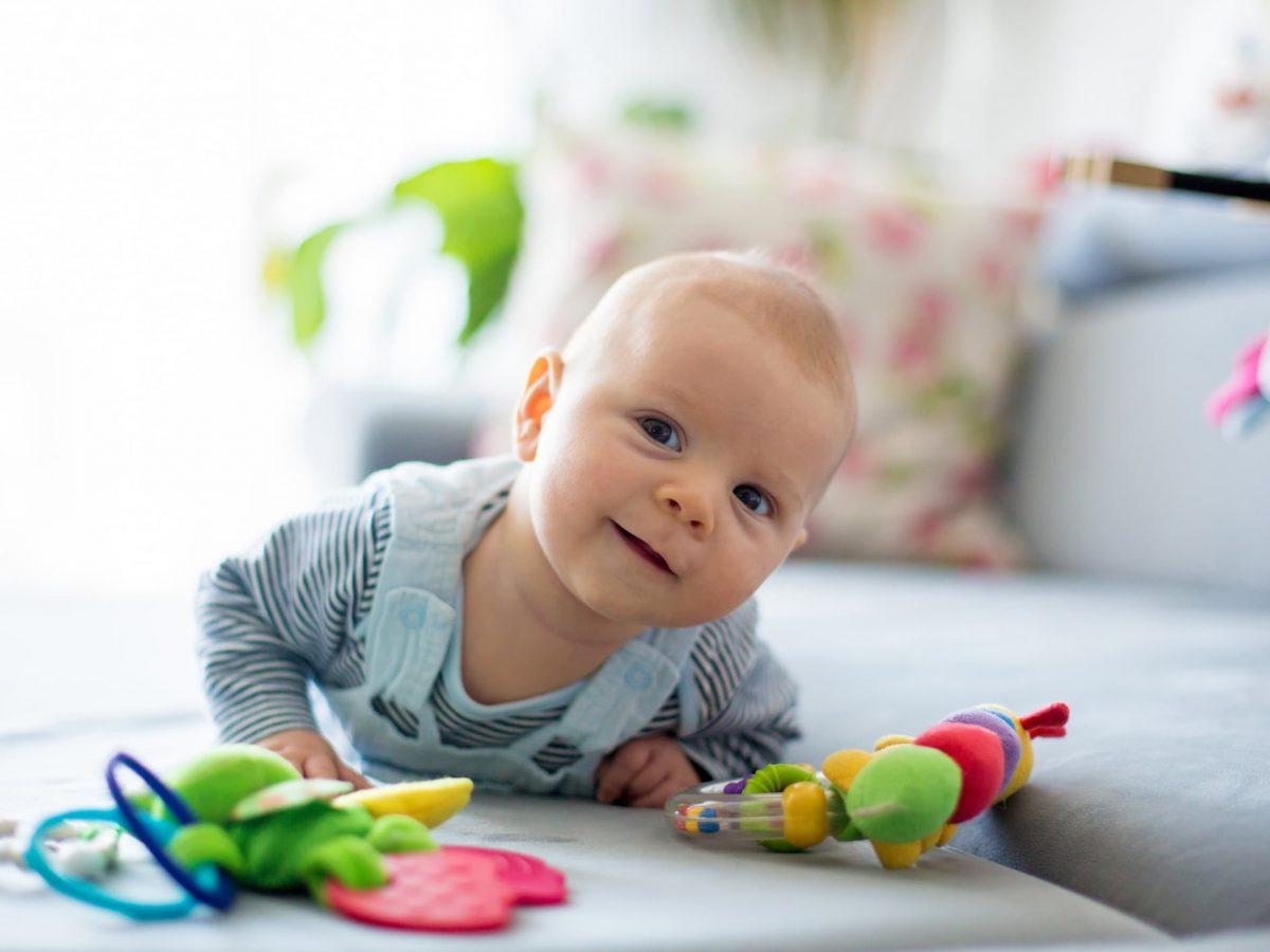 Qué cuidados necesita un bebé de 7 meses