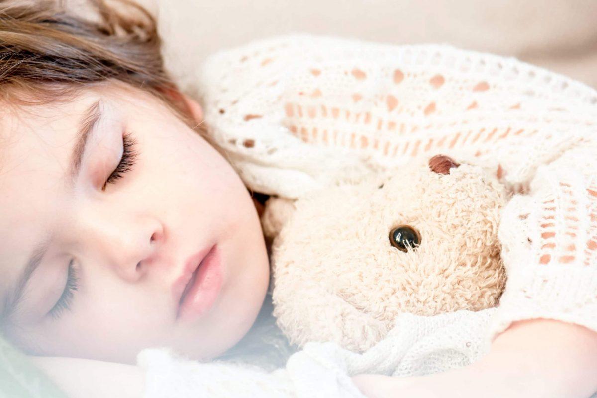 Sepsis en bebés y niños:
