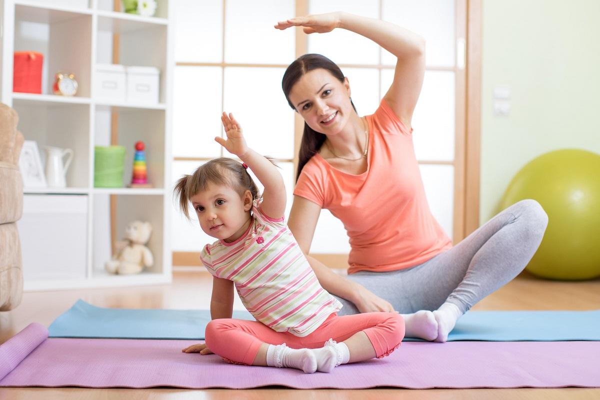 Hacer aeróbic en familia