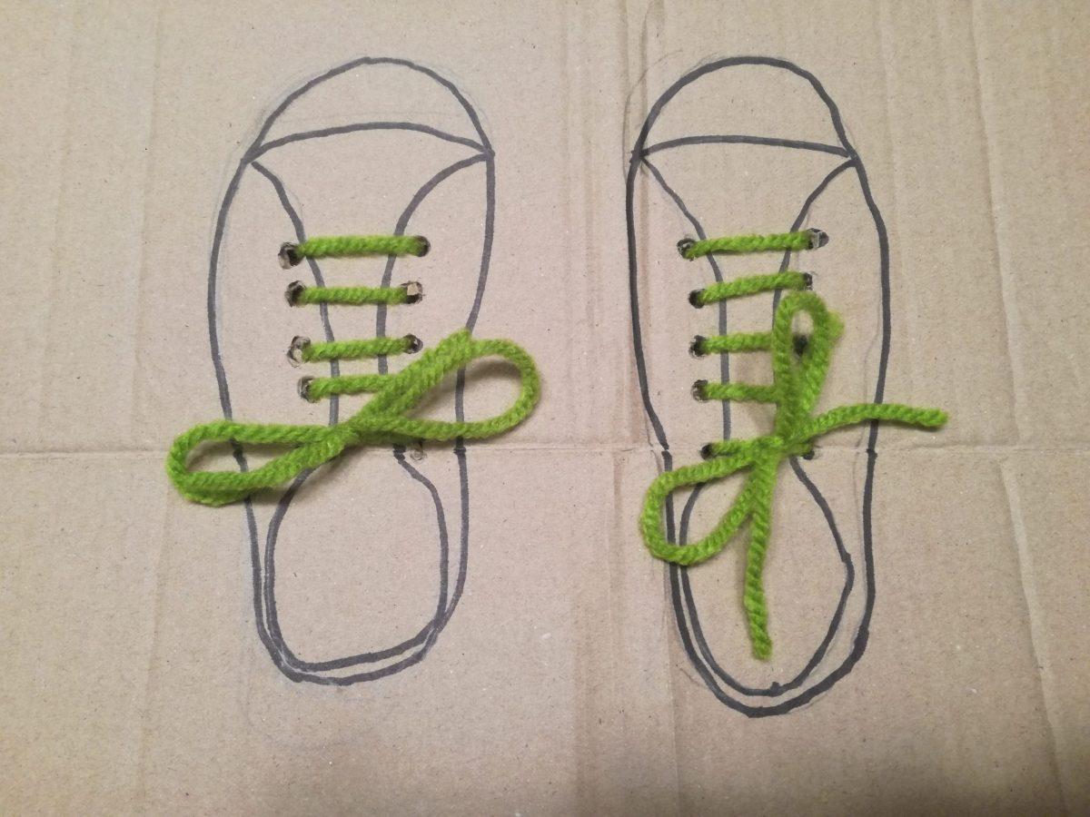 Manualidad para aprender a atar los cordones