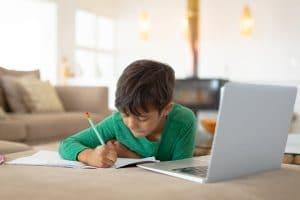 Estudiar en casa, niños mayores