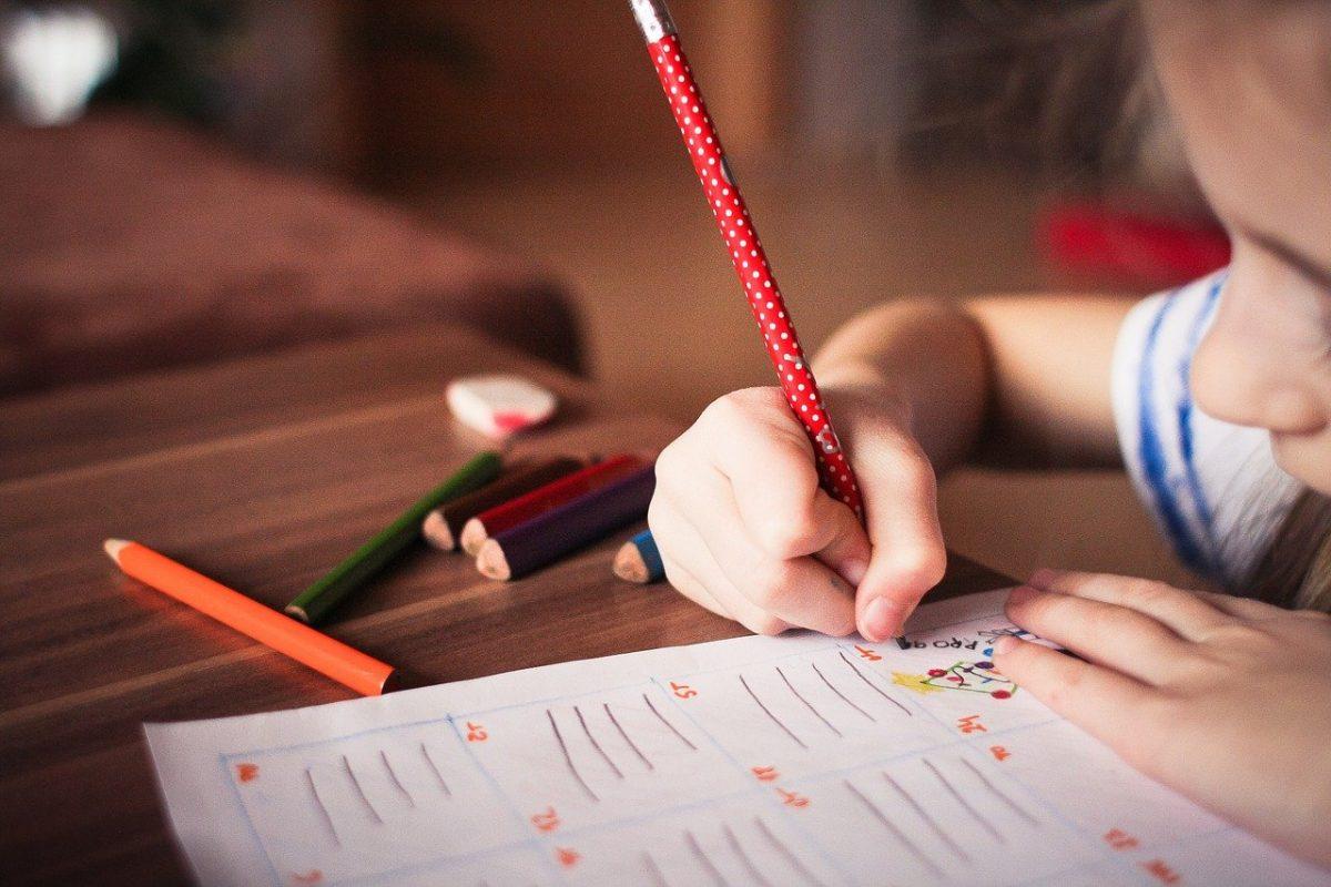 mi hijo escribe al revés