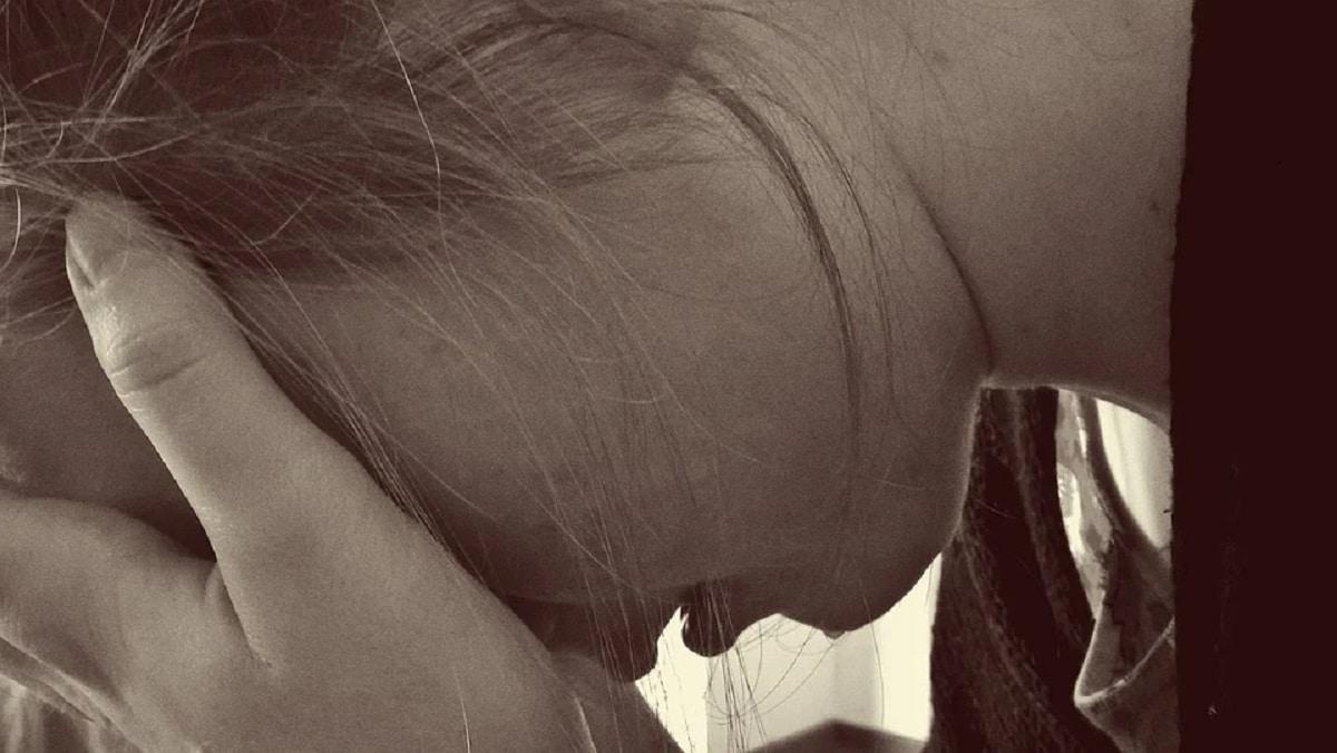Hija adolescente llora mucho