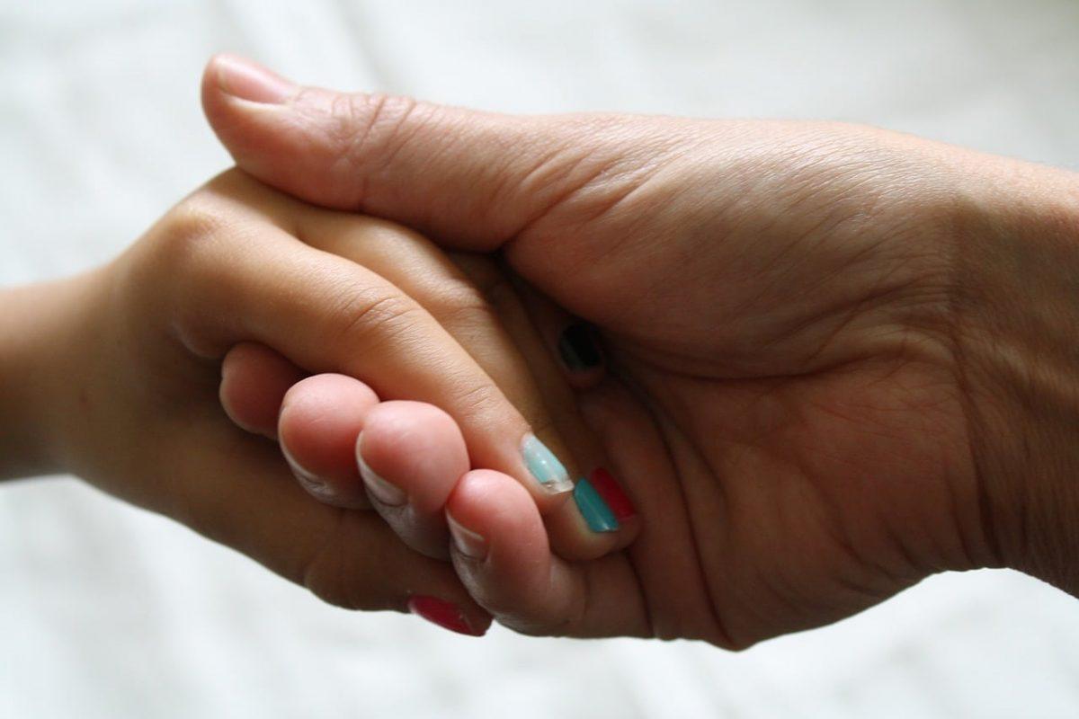 Cómo hacer que los niños no se coman las uñas