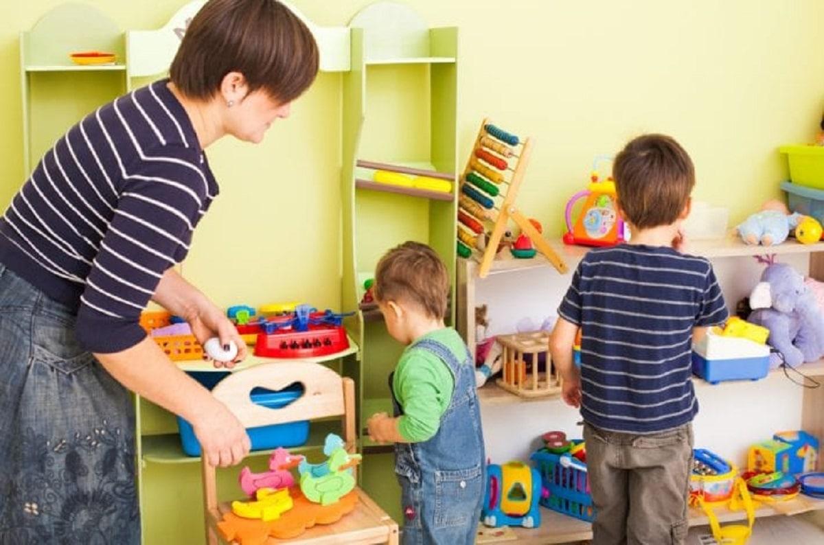 Lograr que los niños guarden sus juguetes