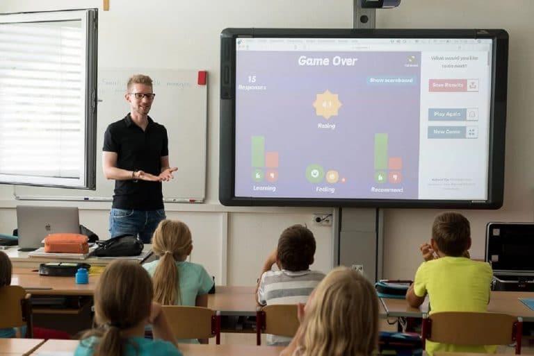 Hacer que mi hijo participe en clase