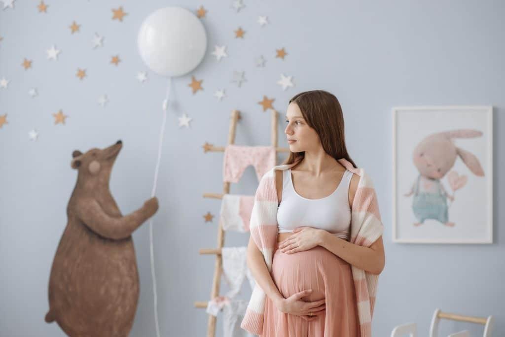 Cómo ayudar a mi hija adolescente embarazada